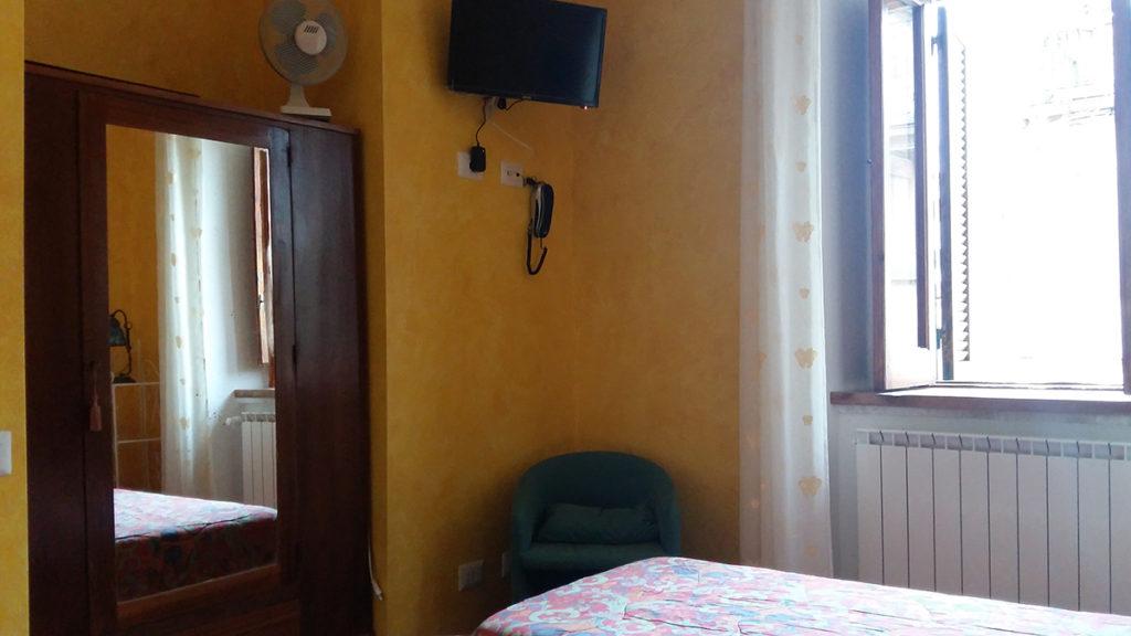 Camera Con Bagno.Camera Matrimoniale Doppia Letti Singoli Con Bagno Privato